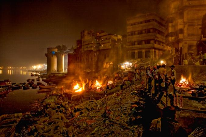 varanasi-india-fueneral-pyre (1)